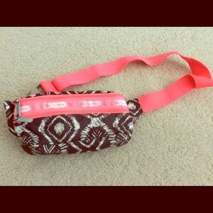 LESPORTSAC Fanny Pack Retired pattern